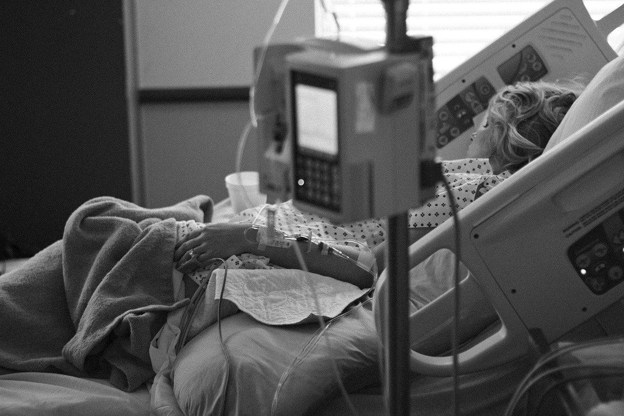 เตียงผู้ป่วยสำหรับผู้สูงวัยและผู้ป่วยติดเตียง