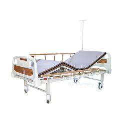 เตียงผู้ป่วย มือหมุน 2 ไก ราวสไลด์ ลายไม้ UQ2400A-P พร้อมเบาะนอน 4 ตอน สีครีม